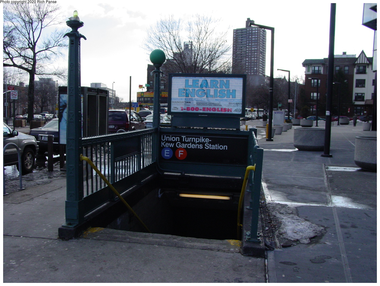 (90k, 820x620)<br><b>Country:</b> United States<br><b>City:</b> New York<br><b>System:</b> New York City Transit<br><b>Line:</b> IND Queens Boulevard Line<br><b>Location:</b> Union Turnpike/Kew Gardens <br><b>Photo by:</b> Richard Panse<br><b>Date:</b> 2/4/2004<br><b>Notes:</b> Street entrance<br><b>Viewed (this week/total):</b> 1 / 6288
