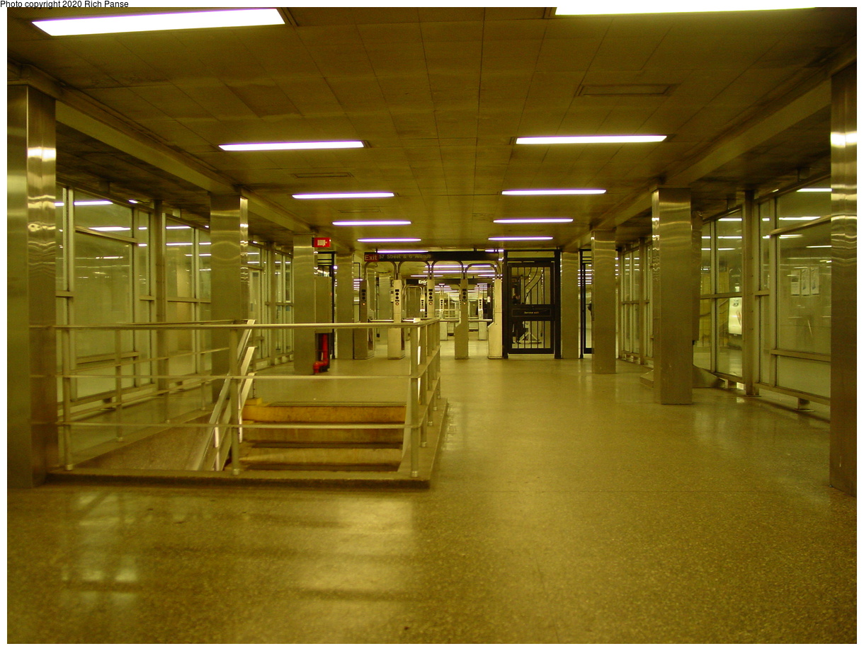 (77k, 820x620)<br><b>Country:</b> United States<br><b>City:</b> New York<br><b>System:</b> New York City Transit<br><b>Line:</b> IND 6th Avenue Line<br><b>Location:</b> 57th Street <br><b>Photo by:</b> Richard Panse<br><b>Date:</b> 2/4/2004<br><b>Notes:</b> Mezzanine view<br><b>Viewed (this week/total):</b> 0 / 4908