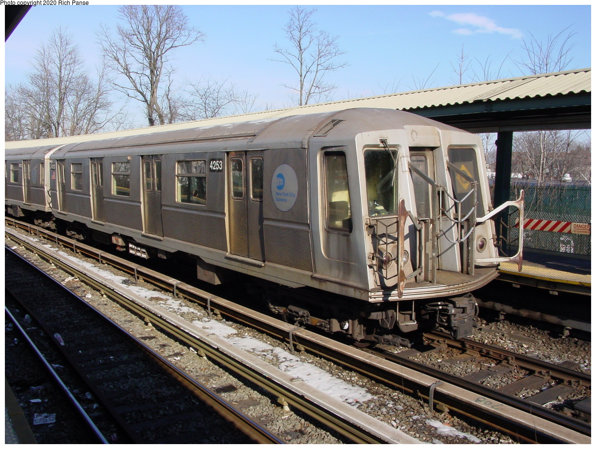 (108k, 820x620)<br><b>Country:</b> United States<br><b>City:</b> New York<br><b>System:</b> New York City Transit<br><b>Line:</b> BMT Brighton Line<br><b>Location:</b> Sheepshead Bay <br><b>Route:</b> Q<br><b>Car:</b> R-40 (St. Louis, 1968)  4253 <br><b>Photo by:</b> Richard Panse<br><b>Date:</b> 2/4/2004<br><b>Viewed (this week/total):</b> 1 / 3221
