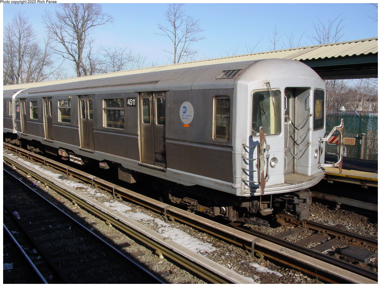 (103k, 820x620)<br><b>Country:</b> United States<br><b>City:</b> New York<br><b>System:</b> New York City Transit<br><b>Line:</b> BMT Brighton Line<br><b>Location:</b> Sheepshead Bay <br><b>Route:</b> Q<br><b>Car:</b> R-40M (St. Louis, 1969)  4511 <br><b>Photo by:</b> Richard Panse<br><b>Date:</b> 2/4/2004<br><b>Viewed (this week/total):</b> 0 / 2956