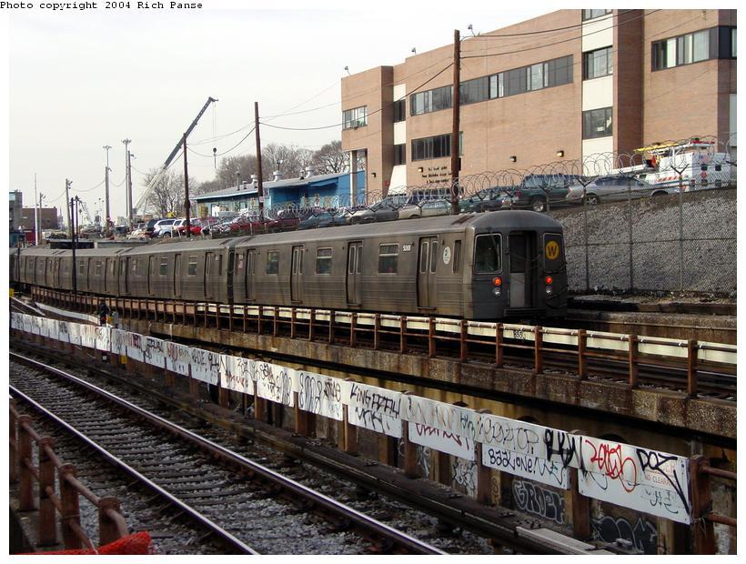(117k, 820x620)<br><b>Country:</b> United States<br><b>City:</b> New York<br><b>System:</b> New York City Transit<br><b>Line:</b> BMT West End Line<br><b>Location:</b> 9th Avenue <br><b>Route:</b> W<br><b>Car:</b> R-68A (Kawasaki, 1988-1989)  5068 <br><b>Photo by:</b> Richard Panse<br><b>Date:</b> 2/9/2004<br><b>Viewed (this week/total):</b> 1 / 4145