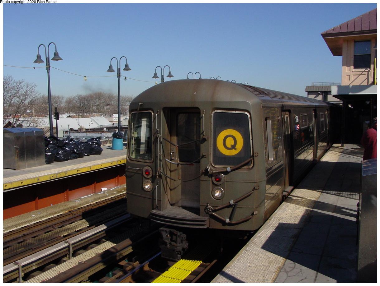 (89k, 820x620)<br><b>Country:</b> United States<br><b>City:</b> New York<br><b>System:</b> New York City Transit<br><b>Line:</b> BMT Brighton Line<br><b>Location:</b> Brighton Beach <br><b>Route:</b> Q<br><b>Car:</b> R-68 (Westinghouse-Amrail, 1986-1988)  2738 <br><b>Photo by:</b> Richard Panse<br><b>Date:</b> 2/28/2004<br><b>Viewed (this week/total):</b> 0 / 4179