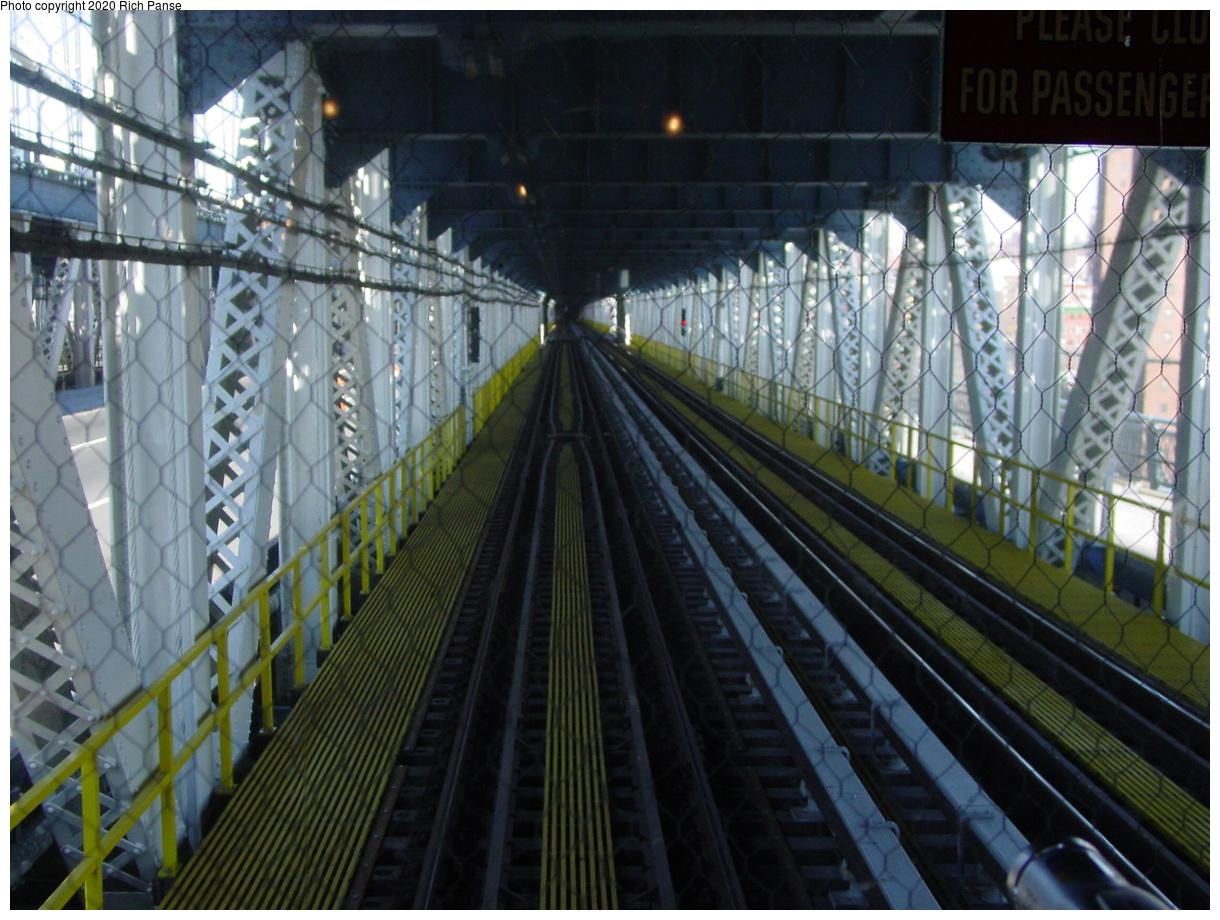 (95k, 820x620)<br><b>Country:</b> United States<br><b>City:</b> New York<br><b>System:</b> New York City Transit<br><b>Location:</b> Manhattan Bridge<br><b>Photo by:</b> Richard Panse<br><b>Date:</b> 2/28/2004<br><b>Viewed (this week/total):</b> 1 / 4814