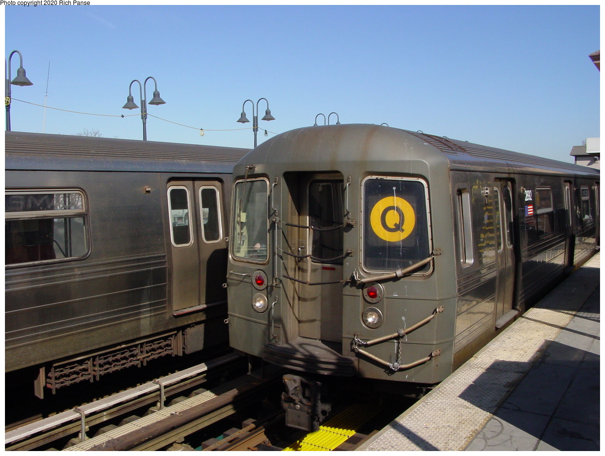 (73k, 820x620)<br><b>Country:</b> United States<br><b>City:</b> New York<br><b>System:</b> New York City Transit<br><b>Line:</b> BMT Brighton Line<br><b>Location:</b> Brighton Beach <br><b>Route:</b> Q<br><b>Car:</b> R-68 (Westinghouse-Amrail, 1986-1988)  2892 <br><b>Photo by:</b> Richard Panse<br><b>Date:</b> 2/28/2004<br><b>Viewed (this week/total):</b> 0 / 3508
