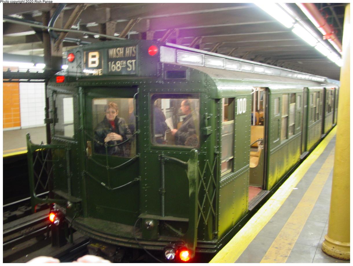 (81k, 820x620)<br><b>Country:</b> United States<br><b>City:</b> New York<br><b>System:</b> New York City Transit<br><b>Line:</b> BMT 4th Avenue<br><b>Location:</b> 77th Street <br><b>Route:</b> Fan Trip<br><b>Car:</b> R-1 (American Car & Foundry, 1930-1931) 100 <br><b>Photo by:</b> Richard Panse<br><b>Date:</b> 2/28/2004<br><b>Viewed (this week/total):</b> 3 / 8168