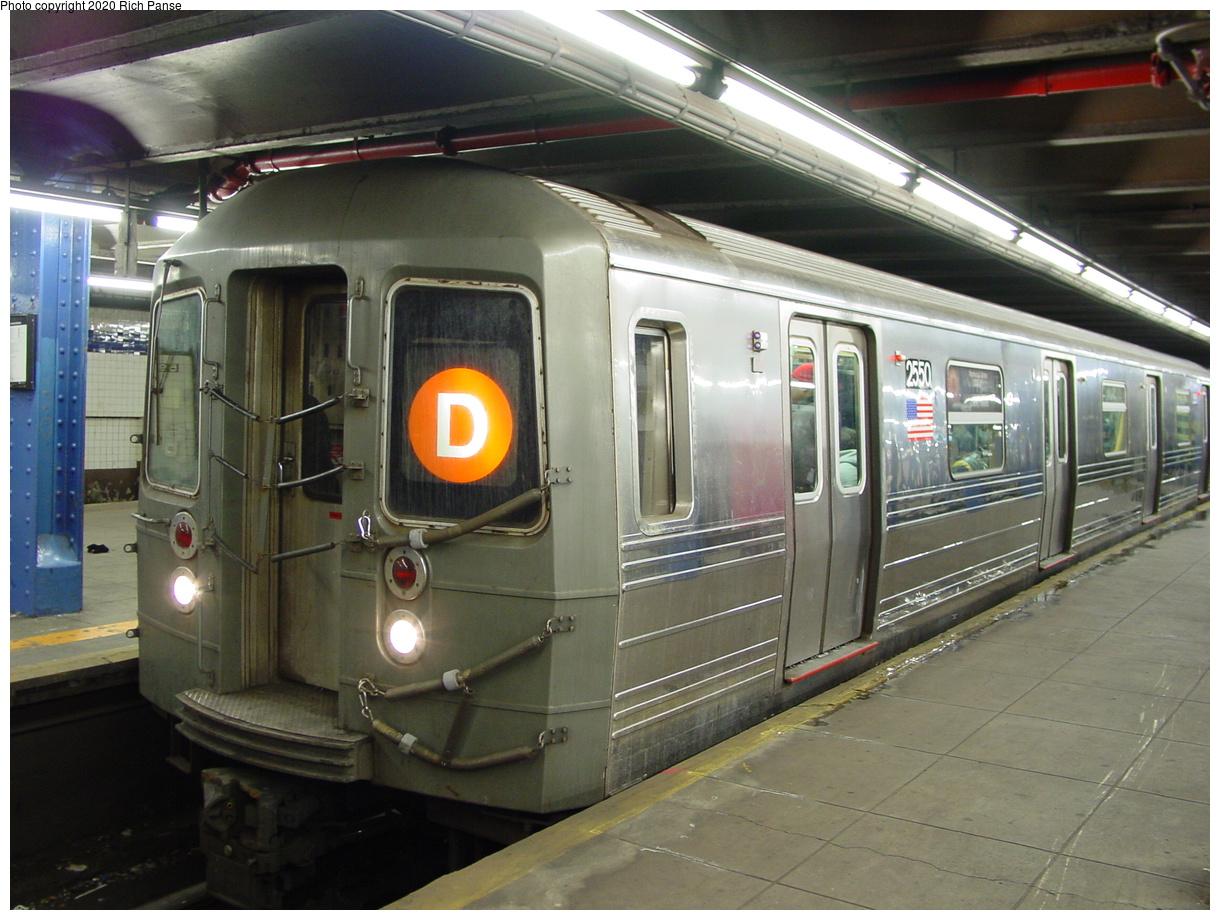 (86k, 820x620)<br><b>Country:</b> United States<br><b>City:</b> New York<br><b>System:</b> New York City Transit<br><b>Line:</b> IND 8th Avenue Line<br><b>Location:</b> 59th Street/Columbus Circle <br><b>Route:</b> D<br><b>Car:</b> R-68 (Westinghouse-Amrail, 1986-1988)  2550 <br><b>Photo by:</b> Richard Panse<br><b>Date:</b> 2/28/2004<br><b>Viewed (this week/total):</b> 0 / 4701