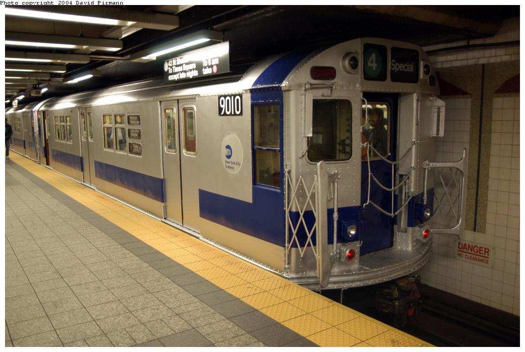 (160k, 1044x701)<br><b>Country:</b> United States<br><b>City:</b> New York<br><b>System:</b> New York City Transit<br><b>Line:</b> IRT Times Square-Grand Central Shuttle<br><b>Location:</b> Grand Central <br><b>Route:</b> Fan Trip<br><b>Car:</b> R-33 Main Line (St. Louis, 1962-63) 9010 <br><b>Photo by:</b> David Pirmann<br><b>Date:</b> 4/17/2004<br><b>Viewed (this week/total):</b> 1 / 3715