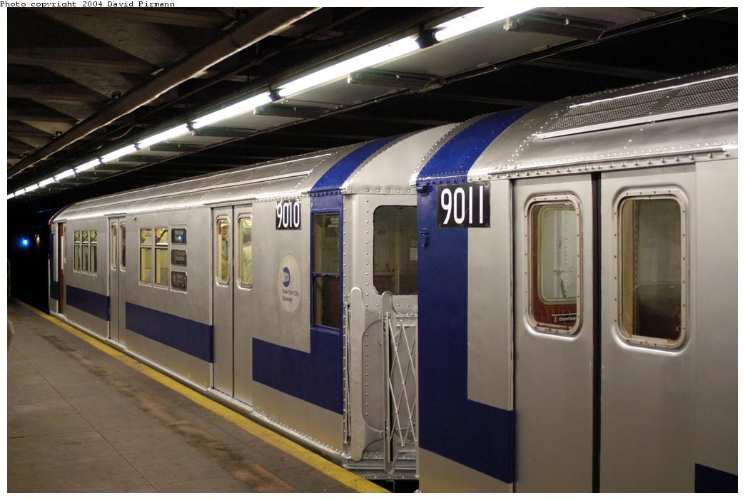 (154k, 1044x701)<br><b>Country:</b> United States<br><b>City:</b> New York<br><b>System:</b> New York City Transit<br><b>Line:</b> IRT Pelham Line<br><b>Location:</b> Hunts Point Avenue <br><b>Route:</b> Fan Trip<br><b>Car:</b> R-33 Main Line (St. Louis, 1962-63) 9010 <br><b>Photo by:</b> David Pirmann<br><b>Date:</b> 4/17/2004<br><b>Viewed (this week/total):</b> 1 / 3718