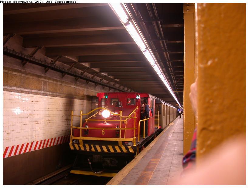 (98k, 820x620)<br><b>Country:</b> United States<br><b>City:</b> New York<br><b>System:</b> New York City Transit<br><b>Line:</b> BMT 4th Avenue<br><b>Location:</b> 59th Street <br><b>Route:</b> Fan Trip<br><b>Car:</b> SBK Steeplecab 6 <br><b>Photo by:</b> Joe Testagrose<br><b>Date:</b> 9/28/2003<br><b>Viewed (this week/total):</b> 3 / 3880