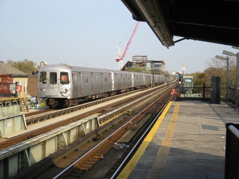 (121k, 800x600)<br><b>Country:</b> United States<br><b>City:</b> New York<br><b>System:</b> New York City Transit<br><b>Line:</b> BMT Culver Line<br><b>Location:</b> Avenue U <br><b>Route:</b> F<br><b>Car:</b> R-46 (Pullman-Standard, 1974-75)  <br><b>Photo by:</b> Michael Kuperberg<br><b>Date:</b> 11/6/2003<br><b>Viewed (this week/total):</b> 0 / 4826