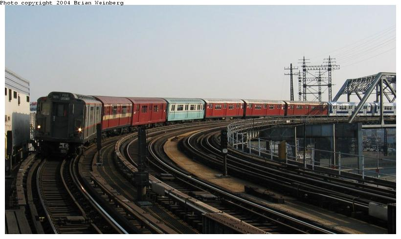 (63k, 820x490)<br><b>Country:</b> United States<br><b>City:</b> New York<br><b>System:</b> New York City Transit<br><b>Line:</b> IRT Pelham Line<br><b>Location:</b> Whitlock Avenue <br><b>Route:</b> Fan Trip<br><b>Car:</b> R-12 (American Car & Foundry, 1948) 5760 <br><b>Photo by:</b> Brian Weinberg<br><b>Date:</b> 4/18/2004<br><b>Viewed (this week/total):</b> 2 / 6829