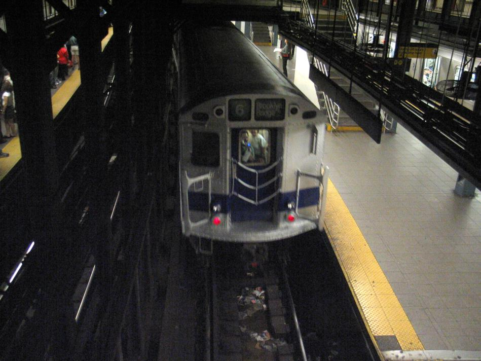 (91k, 949x712)<br><b>Country:</b> United States<br><b>City:</b> New York<br><b>System:</b> New York City Transit<br><b>Line:</b> IRT East Side Line<br><b>Location:</b> 14th Street/Union Square <br><b>Route:</b> Fan Trip<br><b>Car:</b> R-33 Main Line (St. Louis, 1962-63) 9010 <br><b>Photo by:</b> David of Broadway<br><b>Date:</b> 4/18/2004<br><b>Viewed (this week/total):</b> 0 / 4942