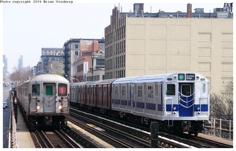 (88k, 820x525)<br><b>Country:</b> United States<br><b>City:</b> New York<br><b>System:</b> New York City Transit<br><b>Line:</b> IRT West Side Line<br><b>Location:</b> 125th Street <br><b>Route:</b> Fan Trip<br><b>Car:</b> R-33 Main Line (St. Louis, 1962-63) 9010 <br><b>Photo by:</b> Brian Weinberg<br><b>Date:</b> 4/18/2004<br><b>Viewed (this week/total):</b> 0 / 4667