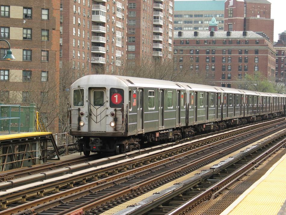 (165k, 950x713)<br><b>Country:</b> United States<br><b>City:</b> New York<br><b>System:</b> New York City Transit<br><b>Line:</b> IRT West Side Line<br><b>Location:</b> 125th Street<br><b>Route:</b> 1<br><b>Car:</b> R-62A (Bombardier, 1984-1987) 2441 <br><b>Photo by:</b> David of Broadway<br><b>Date:</b> 4/18/2004<br><b>Viewed (this week/total):</b> 4 / 4450