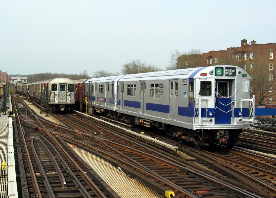 (108k, 950x681)<br><b>Country:</b> United States<br><b>City:</b> New York<br><b>System:</b> New York City Transit<br><b>Line:</b> IRT West Side Line<br><b>Location:</b> 238th Street <br><b>Route:</b> Fan Trip<br><b>Car:</b> R-33 Main Line (St. Louis, 1962-63) 9010 <br><b>Photo by:</b> David of Broadway<br><b>Date:</b> 4/18/2004<br><b>Viewed (this week/total):</b> 3 / 3363