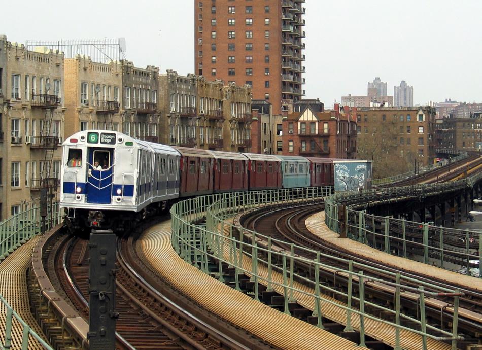 (133k, 950x690)<br><b>Country:</b> United States<br><b>City:</b> New York<br><b>System:</b> New York City Transit<br><b>Line:</b> IRT West Side Line<br><b>Location:</b> Dyckman Street <br><b>Route:</b> Fan Trip<br><b>Car:</b> R-33 Main Line (St. Louis, 1962-63) 9010 <br><b>Photo by:</b> David of Broadway<br><b>Date:</b> 4/18/2004<br><b>Viewed (this week/total):</b> 0 / 4577