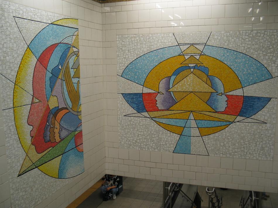 (117k, 950x713)<br><b>Country:</b> United States<br><b>City:</b> New York<br><b>System:</b> New York City Transit<br><b>Line:</b> IRT East Side Line<br><b>Location:</b> 125th Street <br><b>Photo by:</b> David of Broadway<br><b>Date:</b> 4/18/2004<br><b>Artwork:</b> <i>Polyrhythmics of Consciousness and Light</i>, Valerie Maynard (2002).<br><b>Viewed (this week/total):</b> 5 / 3751