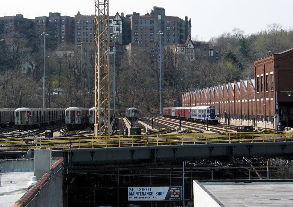 (116k, 950x671)<br><b>Country:</b> United States<br><b>City:</b> New York<br><b>System:</b> New York City Transit<br><b>Location:</b> 240th Street Yard<br><b>Photo by:</b> David of Broadway<br><b>Date:</b> 4/18/2004<br><b>Viewed (this week/total):</b> 5 / 6698