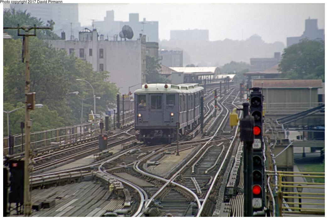 (387k, 1044x703)<br><b>Country:</b> United States<br><b>City:</b> New York<br><b>System:</b> New York City Transit<br><b>Line:</b> IRT West Side Line<br><b>Location:</b> 242nd Street/Van Cortlandt Park <br><b>Route:</b> Fan Trip<br><b>Car:</b> Low-V (Museum Train) 5292 <br><b>Photo by:</b> David Pirmann<br><b>Date:</b> 9/8/1996<br><b>Viewed (this week/total):</b> 2 / 6976
