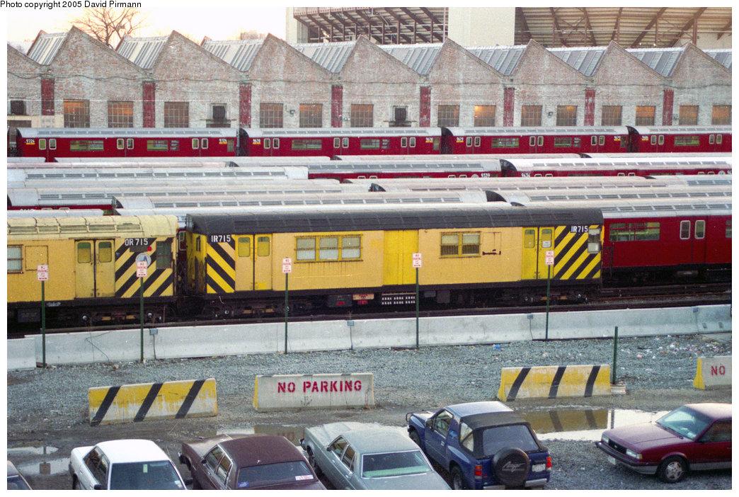 (268k, 1044x702)<br><b>Country:</b> United States<br><b>City:</b> New York<br><b>System:</b> New York City Transit<br><b>Location:</b> Corona Yard<br><b>Car:</b> R-95 Locker Car (Revenue Train) 1R715 (ex-7424)<br><b>Photo by:</b> David Pirmann<br><b>Date:</b> 12/16/1995<br><b>Viewed (this week/total):</b> 2 / 4010