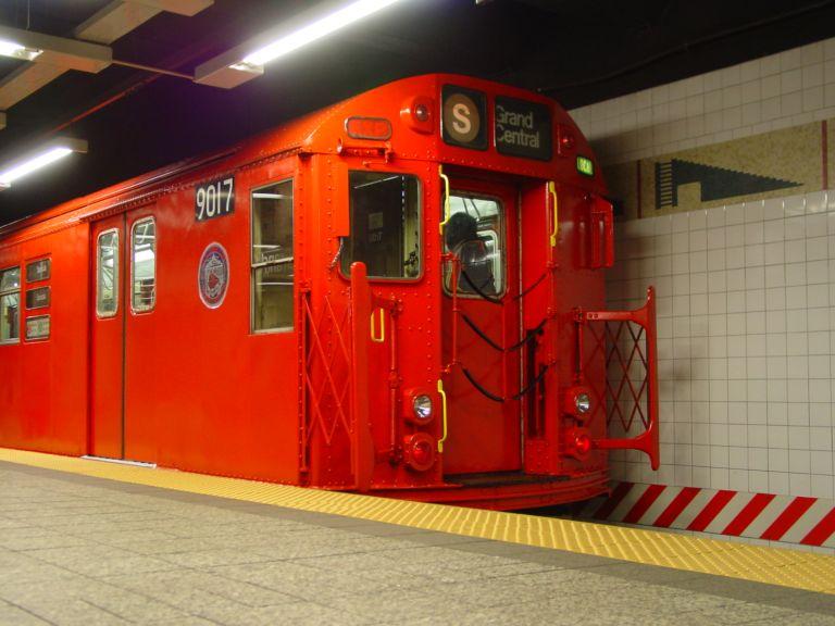 (65k, 768x576)<br><b>Country:</b> United States<br><b>City:</b> New York<br><b>System:</b> New York City Transit<br><b>Line:</b> IRT Times Square-Grand Central Shuttle<br><b>Location:</b> Grand Central <br><b>Route:</b> Fan Trip<br><b>Car:</b> R-33 Main Line (St. Louis, 1962-63) 9017 <br><b>Photo by:</b> Richard Panse<br><b>Date:</b> 4/25/2004<br><b>Viewed (this week/total):</b> 0 / 4181