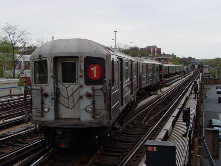 (66k, 768x576)<br><b>Country:</b> United States<br><b>City:</b> New York<br><b>System:</b> New York City Transit<br><b>Line:</b> IRT West Side Line<br><b>Location:</b> 238th Street <br><b>Car:</b> R-62A (Bombardier, 1984-1987)   <br><b>Photo by:</b> Richard Panse<br><b>Date:</b> 4/25/2004<br><b>Viewed (this week/total):</b> 2 / 3481