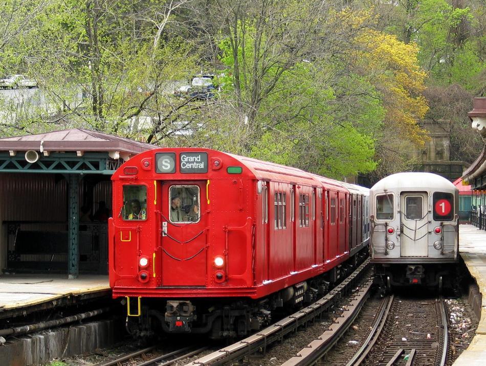 (168k, 950x716)<br><b>Country:</b> United States<br><b>City:</b> New York<br><b>System:</b> New York City Transit<br><b>Line:</b> IRT West Side Line<br><b>Location:</b> Dyckman Street <br><b>Route:</b> Fan Trip<br><b>Car:</b> R-33 Main Line (St. Louis, 1962-63) 9017 <br><b>Photo by:</b> David of Broadway<br><b>Date:</b> 4/25/2004<br><b>Viewed (this week/total):</b> 5 / 5685