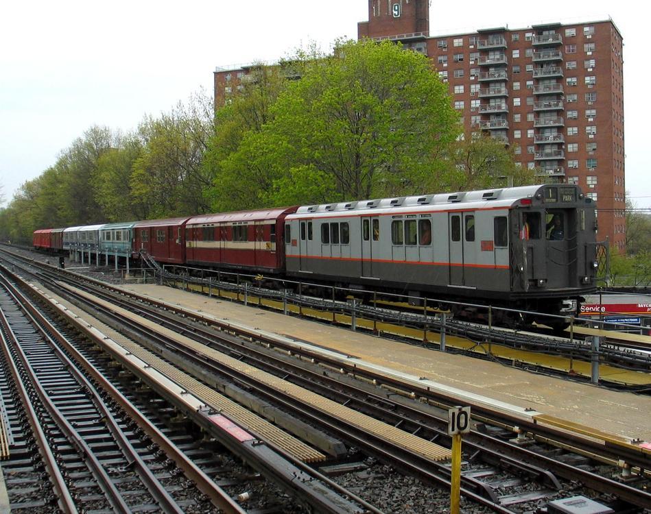 (145k, 949x750)<br><b>Country:</b> United States<br><b>City:</b> New York<br><b>System:</b> New York City Transit<br><b>Line:</b> IRT Dyre Ave. Line<br><b>Location:</b> Baychester Avenue <br><b>Route:</b> Fan Trip<br><b>Car:</b> R-12 (American Car & Foundry, 1948) 5760 <br><b>Photo by:</b> David of Broadway<br><b>Date:</b> 4/25/2004<br><b>Viewed (this week/total):</b> 1 / 3907