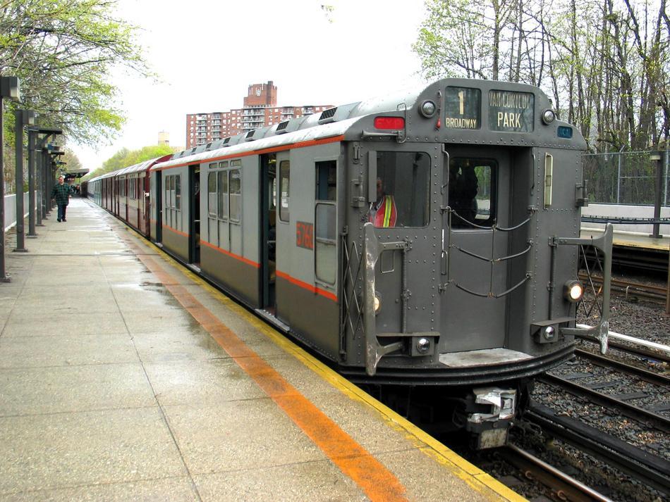 (131k, 950x713)<br><b>Country:</b> United States<br><b>City:</b> New York<br><b>System:</b> New York City Transit<br><b>Line:</b> IRT Dyre Ave. Line<br><b>Location:</b> Baychester Avenue <br><b>Route:</b> Fan Trip<br><b>Car:</b> R-12 (American Car & Foundry, 1948) 5760 <br><b>Photo by:</b> David of Broadway<br><b>Date:</b> 4/25/2004<br><b>Viewed (this week/total):</b> 0 / 4279