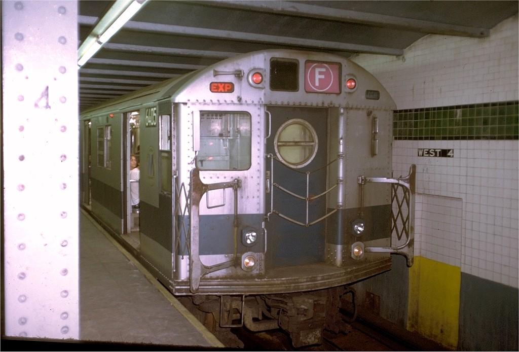 (165k, 1024x694)<br><b>Country:</b> United States<br><b>City:</b> New York<br><b>System:</b> New York City Transit<br><b>Line:</b> IND 6th Avenue Line<br><b>Location:</b> West 4th Street/Washington Square <br><b>Route:</b> F<br><b>Car:</b> R-16 (American Car & Foundry, 1955) 6405 <br><b>Photo by:</b> Joe Testagrose<br><b>Date:</b> 7/30/1972<br><b>Viewed (this week/total):</b> 3 / 4410