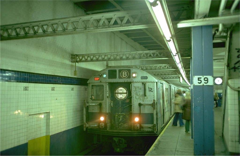 (165k, 1024x665)<br><b>Country:</b> United States<br><b>City:</b> New York<br><b>System:</b> New York City Transit<br><b>Line:</b> IND 8th Avenue Line<br><b>Location:</b> 59th Street/Columbus Circle <br><b>Route:</b> B<br><b>Car:</b> R-16 (American Car & Foundry, 1955) 6434 <br><b>Photo by:</b> Doug Grotjahn<br><b>Collection of:</b> Joe Testagrose<br><b>Date:</b> 10/25/1976<br><b>Viewed (this week/total):</b> 1 / 5296