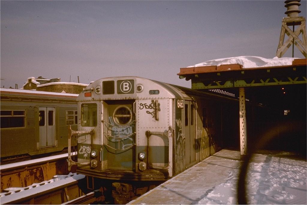 (189k, 1024x684)<br><b>Country:</b> United States<br><b>City:</b> New York<br><b>System:</b> New York City Transit<br><b>Line:</b> BMT West End Line<br><b>Location:</b> 71st Street <br><b>Route:</b> B<br><b>Car:</b> R-16 (American Car & Foundry, 1955) 6463 <br><b>Collection of:</b> Joe Testagrose<br><b>Viewed (this week/total):</b> 0 / 3788