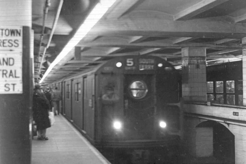 (328k, 1044x708)<br><b>Country:</b> United States<br><b>City:</b> New York<br><b>System:</b> New York City Transit<br><b>Line:</b> IRT East Side Line<br><b>Location:</b> Grand Central <br><b>Route:</b> 5<br><b>Car:</b> R-17 (St. Louis, 1955-56)  <br><b>Collection of:</b> David Pirmann<br><b>Viewed (this week/total):</b> 2 / 7489