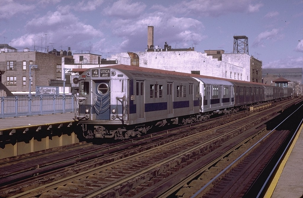 (248k, 1024x671)<br><b>Country:</b> United States<br><b>City:</b> New York<br><b>System:</b> New York City Transit<br><b>Line:</b> IRT Woodlawn Line<br><b>Location:</b> Fordham Road <br><b>Route:</b> 4<br><b>Car:</b> R-17 (St. Louis, 1955-56) 6513 <br><b>Photo by:</b> Joe Testagrose<br><b>Date:</b> 11/21/1970<br><b>Viewed (this week/total):</b> 5 / 3304