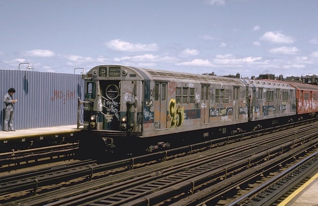 (208k, 1024x665)<br><b>Country:</b> United States<br><b>City:</b> New York<br><b>System:</b> New York City Transit<br><b>Line:</b> IRT White Plains Road Line<br><b>Location:</b> Intervale Avenue <br><b>Route:</b> 5<br><b>Car:</b> R-17 (St. Louis, 1955-56) 6568 <br><b>Photo by:</b> Joe Testagrose<br><b>Date:</b> 5/6/1973<br><b>Viewed (this week/total):</b> 0 / 4219