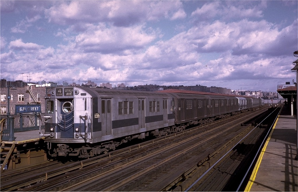 (207k, 1024x659)<br><b>Country:</b> United States<br><b>City:</b> New York<br><b>System:</b> New York City Transit<br><b>Line:</b> IRT Woodlawn Line<br><b>Location:</b> 167th Street <br><b>Route:</b> 4<br><b>Car:</b> R-17 (St. Louis, 1955-56) 6586 <br><b>Photo by:</b> Joe Testagrose<br><b>Date:</b> 11/21/1970<br><b>Viewed (this week/total):</b> 11 / 3022