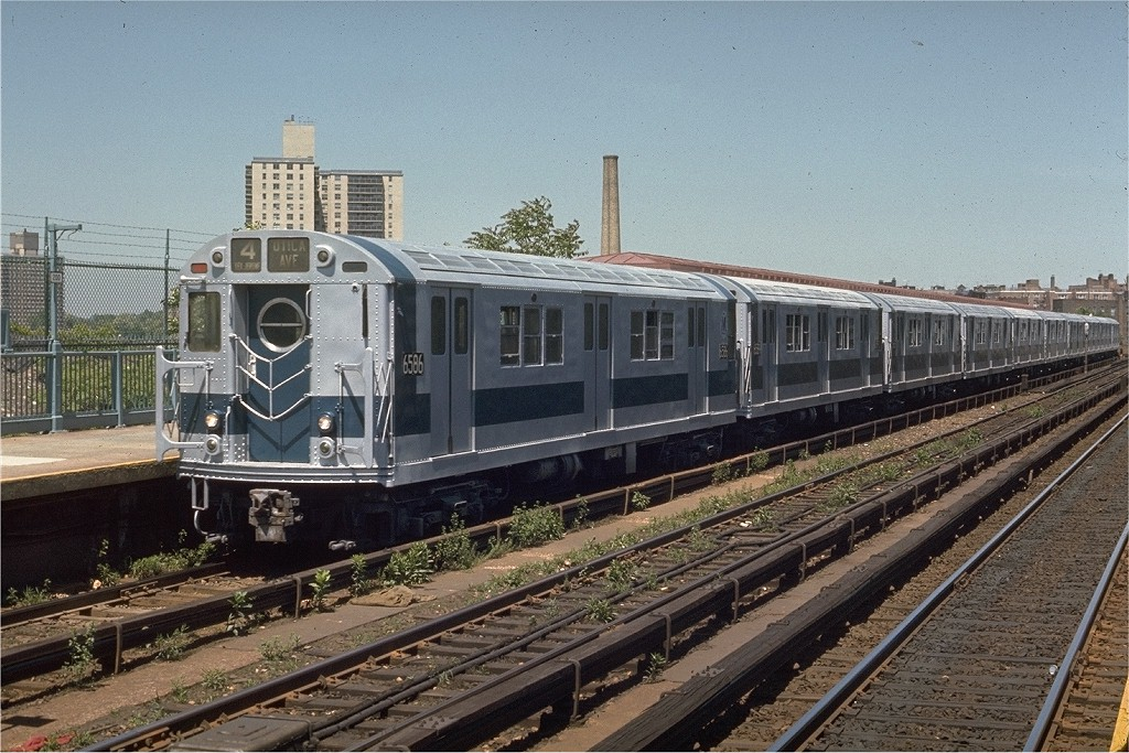 (244k, 1024x683)<br><b>Country:</b> United States<br><b>City:</b> New York<br><b>System:</b> New York City Transit<br><b>Line:</b> IRT Woodlawn Line<br><b>Location:</b> Bedford Park Boulevard <br><b>Route:</b> 4<br><b>Car:</b> R-17 (St. Louis, 1955-56) 6586 <br><b>Photo by:</b> Joe Testagrose<br><b>Date:</b> 5/30/1970<br><b>Viewed (this week/total):</b> 1 / 3180