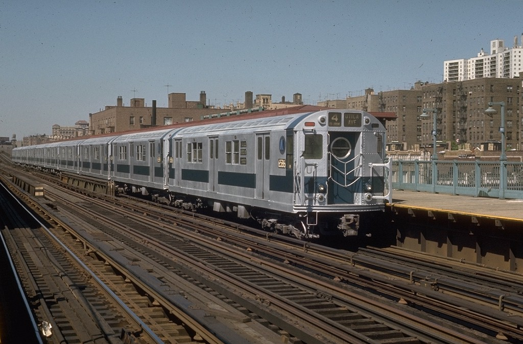 (200k, 1024x675)<br><b>Country:</b> United States<br><b>City:</b> New York<br><b>System:</b> New York City Transit<br><b>Line:</b> IRT Woodlawn Line<br><b>Location:</b> 161st Street/River Avenue (Yankee Stadium) <br><b>Route:</b> 4<br><b>Car:</b> R-17 (St. Louis, 1955-56) 6586 <br><b>Photo by:</b> Joe Testagrose<br><b>Date:</b> 5/30/1970<br><b>Viewed (this week/total):</b> 5 / 3310