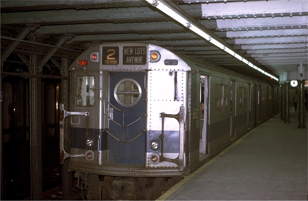 (183k, 1024x669)<br><b>Country:</b> United States<br><b>City:</b> New York<br><b>System:</b> New York City Transit<br><b>Line:</b> IRT West Side Line<br><b>Location:</b> 72nd Street <br><b>Route:</b> 2<br><b>Car:</b> R-17 (St. Louis, 1955-56) 6632 <br><b>Photo by:</b> Joe Testagrose<br><b>Date:</b> 1/2/1971<br><b>Viewed (this week/total):</b> 11 / 3127