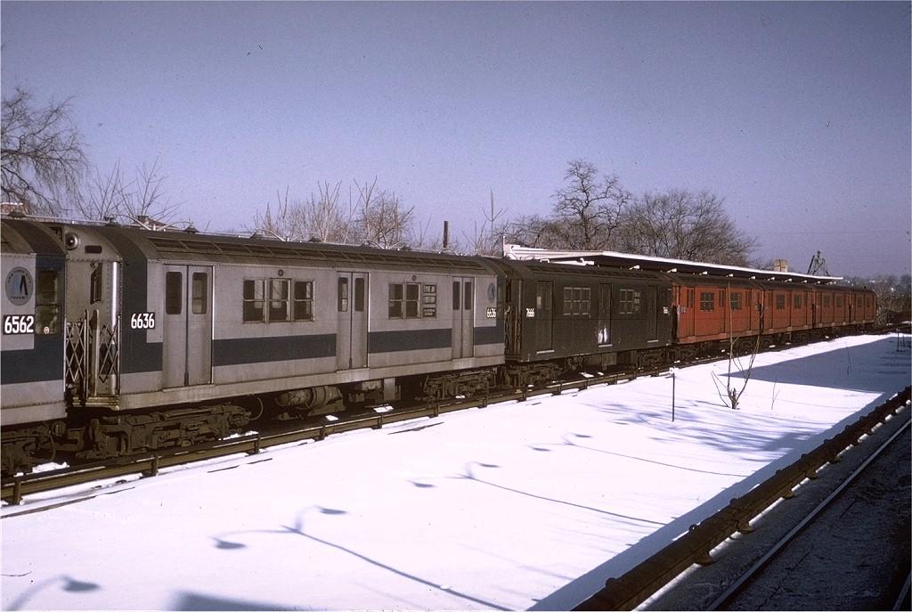 (199k, 1024x687)<br><b>Country:</b> United States<br><b>City:</b> New York<br><b>System:</b> New York City Transit<br><b>Line:</b> IRT Dyre Ave. Line<br><b>Location:</b> Baychester Avenue <br><b>Route:</b> 5<br><b>Car:</b> R-17 (St. Louis, 1955-56) 6636 <br><b>Photo by:</b> Joe Testagrose<br><b>Date:</b> 1/3/1971<br><b>Viewed (this week/total):</b> 0 / 3079