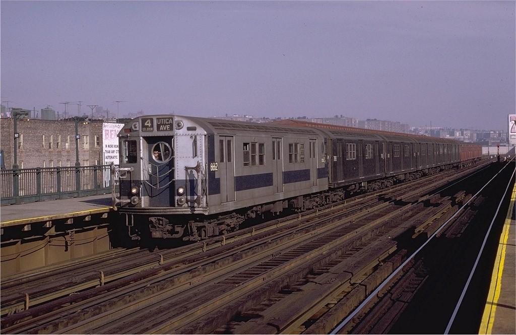 (194k, 1024x665)<br><b>Country:</b> United States<br><b>City:</b> New York<br><b>System:</b> New York City Transit<br><b>Line:</b> IRT Woodlawn Line<br><b>Location:</b> 167th Street <br><b>Route:</b> 4<br><b>Car:</b> R-17 (St. Louis, 1955-56) 6662 <br><b>Photo by:</b> Joe Testagrose<br><b>Date:</b> 11/7/1970<br><b>Viewed (this week/total):</b> 2 / 2654