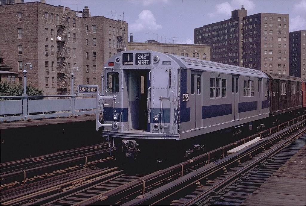 (270k, 1024x688)<br><b>Country:</b> United States<br><b>City:</b> New York<br><b>System:</b> New York City Transit<br><b>Line:</b> IRT West Side Line<br><b>Location:</b> 225th Street <br><b>Route:</b> 1<br><b>Car:</b> R-17 (St. Louis, 1955-56) 6725 <br><b>Photo by:</b> Joe Testagrose<br><b>Date:</b> 8/2/1970<br><b>Viewed (this week/total):</b> 0 / 3109