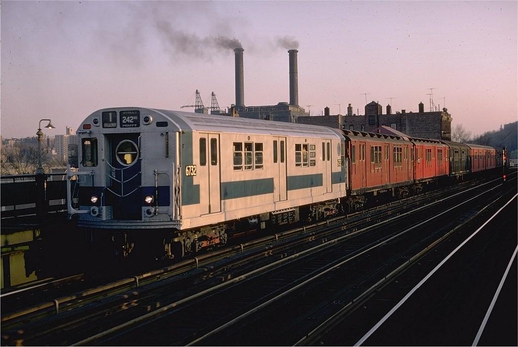 (184k, 1024x685)<br><b>Country:</b> United States<br><b>City:</b> New York<br><b>System:</b> New York City Transit<br><b>Line:</b> IRT West Side Line<br><b>Location:</b> 207th Street <br><b>Route:</b> 1<br><b>Car:</b> R-17 (St. Louis, 1955-56) 6732 <br><b>Photo by:</b> Joe Testagrose<br><b>Date:</b> 4/26/1970<br><b>Viewed (this week/total):</b> 0 / 3731
