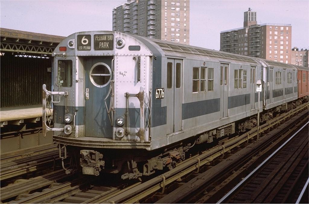 (219k, 1024x674)<br><b>Country:</b> United States<br><b>City:</b> New York<br><b>System:</b> New York City Transit<br><b>Line:</b> IRT Pelham Line<br><b>Location:</b> Middletown Road <br><b>Route:</b> 6<br><b>Car:</b> R-17 (St. Louis, 1955-56) 6776 <br><b>Photo by:</b> Joe Testagrose<br><b>Date:</b> 10/17/1971<br><b>Viewed (this week/total):</b> 11 / 3490