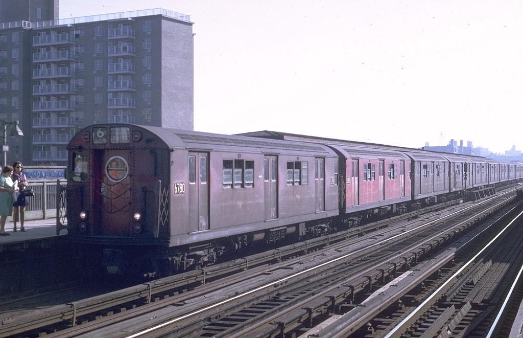 (180k, 1024x661)<br><b>Country:</b> United States<br><b>City:</b> New York<br><b>System:</b> New York City Transit<br><b>Line:</b> IRT Pelham Line<br><b>Location:</b> Morrison/Soundview Aves. <br><b>Route:</b> 6<br><b>Car:</b> R-17 (St. Louis, 1955-56) 6780 <br><b>Photo by:</b> Joe Testagrose<br><b>Date:</b> 8/22/1969<br><b>Viewed (this week/total):</b> 4 / 4235