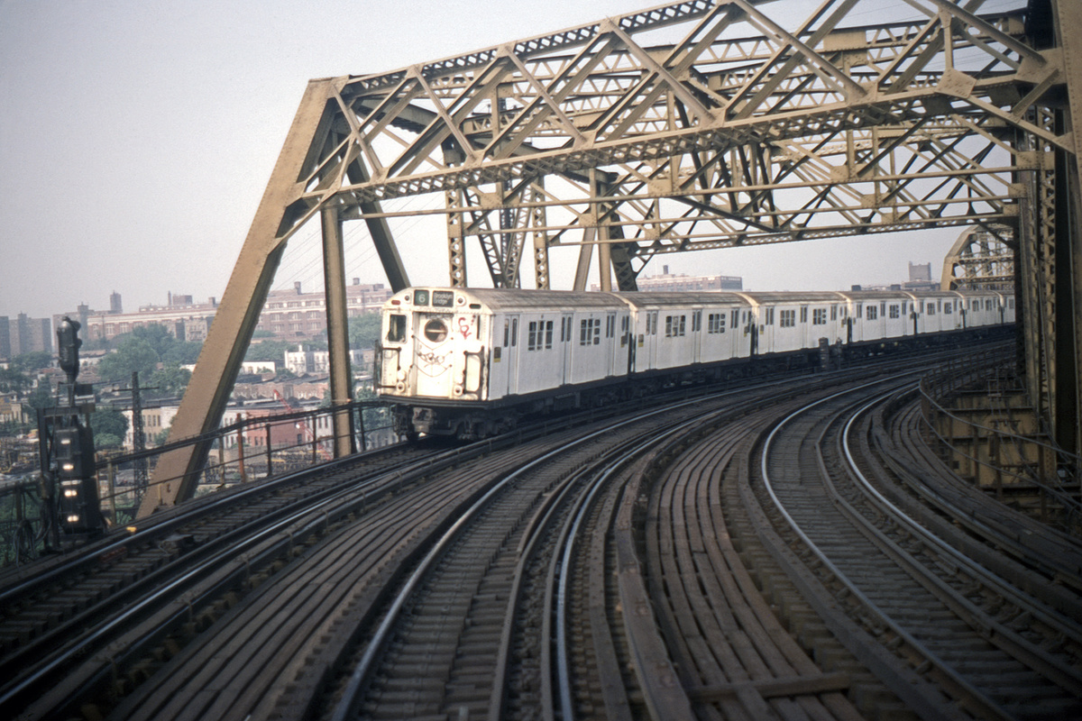 (457k, 1024x683)<br><b>Country:</b> United States<br><b>City:</b> New York<br><b>System:</b> New York City Transit<br><b>Line:</b> IRT Pelham Line<br><b>Location:</b> Bronx River Bridge <br><b>Route:</b> 6<br><b>Car:</b> R-17 (St. Louis, 1955-56)  <br><b>Photo by:</b> Steve Hoskins<br><b>Collection of:</b> David Pirmann<br><b>Date:</b> 6/1981<br><b>Viewed (this week/total):</b> 6 / 7370