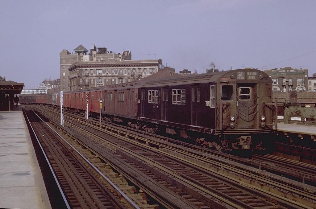 (194k, 1024x678)<br><b>Country:</b> United States<br><b>City:</b> New York<br><b>System:</b> New York City Transit<br><b>Line:</b> IRT White Plains Road Line<br><b>Location:</b> Simpson Street <br><b>Route:</b> 2<br><b>Car:</b> R-21 (St. Louis, 1956-57) 7070 <br><b>Photo by:</b> Joe Testagrose<br><b>Date:</b> 5/9/1970<br><b>Viewed (this week/total):</b> 1 / 3096
