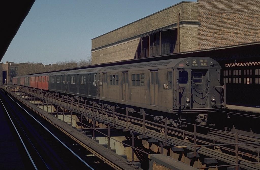 (183k, 1024x672)<br><b>Country:</b> United States<br><b>City:</b> New York<br><b>System:</b> New York City Transit<br><b>Line:</b> IRT Brooklyn Line<br><b>Location:</b> Saratoga Avenue <br><b>Route:</b> 2<br><b>Car:</b> R-21 (St. Louis, 1956-57) 7105 <br><b>Photo by:</b> Joe Testagrose<br><b>Date:</b> 4/25/1970<br><b>Viewed (this week/total):</b> 4 / 5113