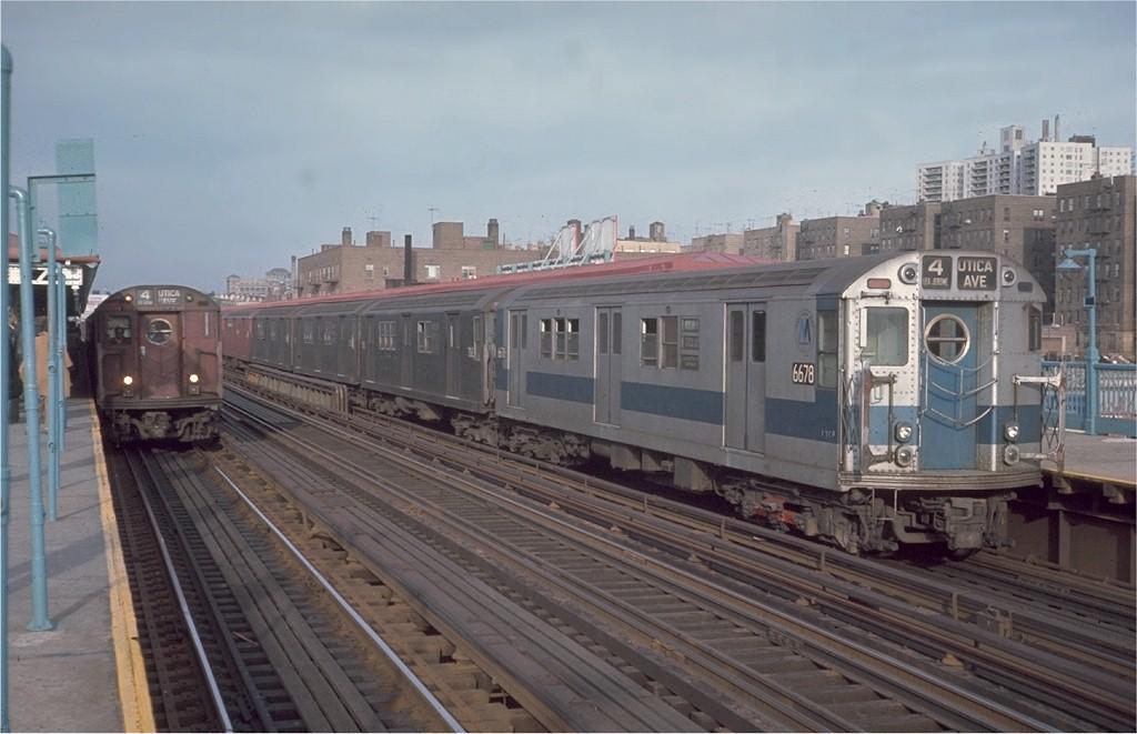 (162k, 1024x661)<br><b>Country:</b> United States<br><b>City:</b> New York<br><b>System:</b> New York City Transit<br><b>Line:</b> IRT Woodlawn Line<br><b>Location:</b> 161st Street/River Avenue (Yankee Stadium) <br><b>Route:</b> 4<br><b>Car:</b> R-17 (St. Louis, 1955-56) 6678 <br><b>Photo by:</b> Steve Zabel<br><b>Collection of:</b> Joe Testagrose<br><b>Date:</b> 11/22/1970<br><b>Viewed (this week/total):</b> 3 / 3264