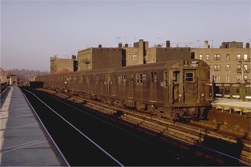 (216k, 1024x681)<br><b>Country:</b> United States<br><b>City:</b> New York<br><b>System:</b> New York City Transit<br><b>Line:</b> IRT West Side Line<br><b>Location:</b> 238th Street <br><b>Route:</b> 1<br><b>Car:</b> R-22 (St. Louis, 1957-58) 7472 <br><b>Photo by:</b> Joe Testagrose<br><b>Date:</b> 2/6/1971<br><b>Viewed (this week/total):</b> 0 / 2697